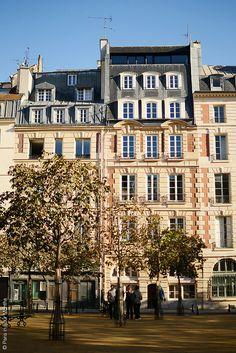 La Place Dauphine, on the Ile de la Cité, Paris Yves Montand and Simone Signoret lived here for many years. Paris Architecture, French Architecture, Beautiful Paris, I Love Paris, Paris Travel, France Travel, Places To Travel, Places To See, Culture Of France
