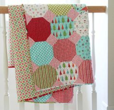 Fun Christmas quilt by Cluck, Cluck, Sew Quilting Templates, Quilting Projects, Quilting Designs, Quilting Tutorials, Flannel Quilts, Cute Quilts, Baby Quilts, Quilt Block Patterns, Quilt Blocks