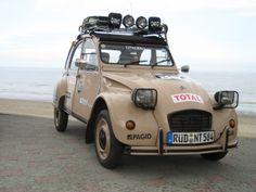 2cv6, Auto Retro, Fiat 500, Car Humor, Vespa, Sailing, Cars, Vehicles, French