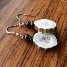 Handmade earrings with grade A Montana elk antler, natural stones, silver-plated lead and nickel free earring wire, and rubber stoppers. Deer Antler Crafts, Antler Art, Antler Jewelry, Antler Ring, I Love Jewelry, Jewelry Making, Unique Jewelry, Elk Antlers, Deer Horns