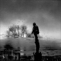 Rain In The City de Lucian Olteanu sur Art Limited