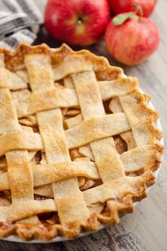 Old Fashioned Apple Pie is a classic dessert recipe made just like your grandma. Tart apples are spiced with cinnamon and layered in a flaky pie crust for the perfect fall treat. #ApplePie #OldFashionedDessert #AppleDessert Easy Pie Recipes, Pie Crust Recipes, Apple Pie Recipes, Tart Recipes, Baking Recipes, Flakey Pie Crust, Apple Pie Crust, Pie Crusts, Budget Desserts