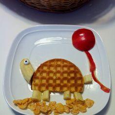 Waffle turtle & apple balloon breakfast for kids