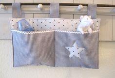 Bettutensilo in grau mit Stern von Kreative Näh- Werkstatt von omasigi auf DaWanda.com