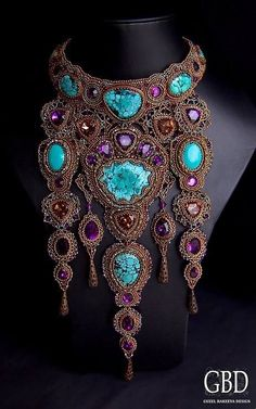I don't think I've ever fallin' in Love with a piece of jewelry..... 1st time Ever......