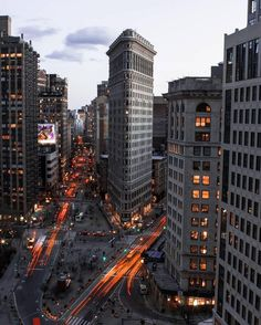 "newyorkcityfeelings: ""The Flatiron Building by urban.aisle """