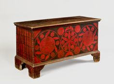 Paint-Decorated Lift-Top Chest  Probably Shenandoah County, Virginia, circa 1820. Poplar and pine, original painted decoration, 23 ¾ x 44 ½ x 18 ½ inches. PROVENANCE: Found at an auction in Southern Virginia near the North Carolina border; Greg K. Kramer.  Est. $ 25,000-$ 40,000
