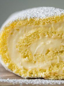 Double Lemon Swiss Roll Cake If you've ever wanted a delicious dessert that looks absolutely amazing, this is the one for you. Perfect for spring or summer (or really anytime you want to remind yourself of warmer months), this is Köstliche Desserts, Delicious Desserts, Dessert Recipes, Italian Desserts, Cake Away, Jelly Roll Cake, Swiss Roll Cakes, Cake Roll Recipes, Lemon Jelly Roll Recipe