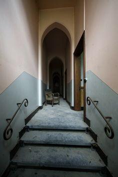 Gate; Valmea Convent © opacity.us