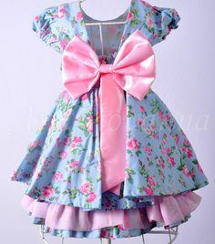 Vestidos Mãe e Filha Floral Azul. Tecidos: Tricoline Voil Rosa.    Medidas Adulto    Tamanho -------Busto----- Cintura------ Quadril  Tamanho P--------88------- 72-------------92  Tamanho M--------92--------78------------100  Tamanho G--------98---------88---------- 104  Tamanho GG-----104-------...