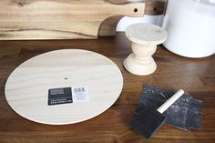 DIY Cake Stand - The Creek Line House Wooden Cake Stands, Wood Cake, Embroidery Hoop Decor, Diy Nightstand, Diy Plant Stand, Stand Design, Cake Plates, Design Thinking, Wooden Diy