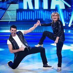 #tronchetto #RossoLatino per #RitaPavone che insieme a #SimoneDiPasquale si esibiscono in un #boogie a #ballandoconlestelle! by rossolatinoshoes