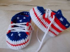 Crochet Baby Shoes Baby Booties American Flag crochet Source by Crochet Baby Boots, Crochet Sandals, Booties Crochet, Baby Booties, Baby Shoes Pattern, Baby Patterns, Crochet Patterns, Crochet Baby Blanket Beginner, Baby Sneakers