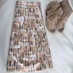 "LOFT skirt Knee length LOFT Skirt. Lined, side zip, with tie detail in the back. Super flattering!! Appx. 22"" long.        RefH0101 LOFT Skirts Midi"