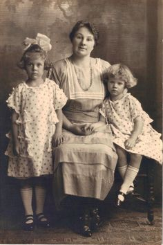 my maternal grandmother is the little girl on the right.