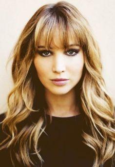 Jennifer Lawrence – peinado casual rizado con rizos suaves