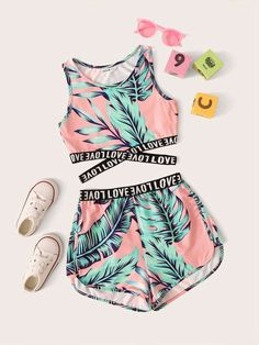 Girls Letter Cross Wrap Tape Tropical Top & Shorts Set - Source by sofiajori - Teenage Girl Outfits, Crop Top Outfits, Girls Fashion Clothes, Kids Outfits Girls, Sporty Outfits, Teen Fashion Outfits, Cute Outfits For Kids, Cute Summer Outfits, Cute Casual Outfits