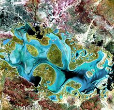 Lake Carnegie – Ephemeral Lake Carnegie, in Western Australia, fills with water only during periods of significant rainfall. In dry years, it is reduced to a muddy marsh.