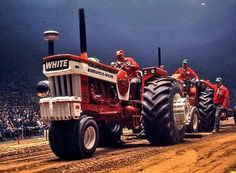 1971 National Farm Machinery Show Championship Tractor Pull.