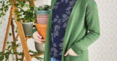 Klassinen suora neuletakki toimii niin mekkojen kuin farkkujenkin kanssa. Tässä on uusi luottovaatteesi!