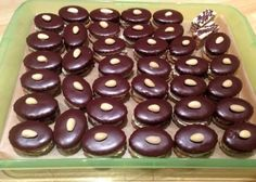 Czech Recipes, Christmas Wrapping, Christmas Cookies, Food And Drink, Sweets, Fruit, Vegetables, Cooking, Christmas Recipes