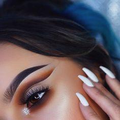 Grungy goodness ☠ Eyes• @meltcosmetics Rust Stack / @eylureofficial lashes no. 157 / @makeupgeekcosmetics gel liner in Infinity Brows• @anastasiabeverlyhills dipbrow in Ebony #motd #makeup #makeupartist #mua #vegas_nay #anastasiabeverlyhills #abhbrows #hudabeauty #norvina #batalash #jamiegenevieve #abhshadows #makeupartistsworldwide #universodamaquiagem_oficial #norvina #makeupfanatic1 #brian_champagne #undiscovered_muas #dressyourface #wakeupandmakeup #morphebrushes #makeupaddict…