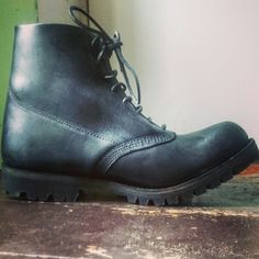 William Lennon fully sprung hill / Shepherd / fell boots. Vibram sole, rough out waxed flesh, kip butt leather. @manvsboots