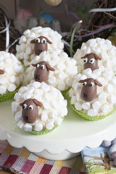 Little Sheep Cup Cakes - Marshmallows, c. - Little Sheep Cup Cakes – Marshmallows, chocolate solid eggs – YUM The Effective Pictures We Off - Easter Cupcakes, Sheep Cupcakes, Sheep Cake, Lamb Cupcakes, Gourmet Cupcakes, Easter Treats, Easter Recipes, Easter Baking Ideas, Easter Food