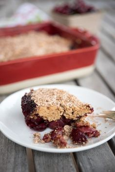 Gluten-free and Paleo Cherry Buckle Recipe (aka coffee cake) recipe by Thriving On Paleo - a great breakfast, snack or dessert Paleo Sweets, Paleo Dessert, Healthy Desserts, Dessert Recipes, Dessert Ideas, Paleo Fruit, Healthy Recipes, Primal Recipes, Real Food Recipes