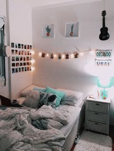 30 Wonderful and Cute Dorm Room Ideas to Inspiring you Home Design Ideas Dorm R. 30 Wonderful and Cute Dorm Room Ideas to Inspiring you Home Design Ideas Dorm Room Decor Ideas Cut Cute Bedroom Ideas, Cute Room Decor, Teen Room Decor, Bedroom Decor, Bedroom Inspo, Modern Bedroom, Aesthetic Room Decor, Cute Dorm Rooms, Cozy Room