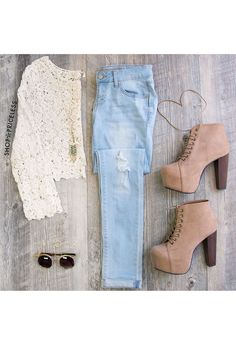 Never Knew Light Wash Skinny Jeans from Shop Priceless. Saved to Jeans. Shop more products from Shop Priceless on Wanelo. Style Casual, Casual Outfits, Cute Outfits, Fashion Outfits, Womens Fashion, Hipster Outfits, Fashion Pics, Street Fashion, Fall Winter Outfits