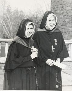 Mother Eleanor O'Byrne RSCJ (right), President of Manhattanville 1945-1966 with her successor Mother Elizabeth McCormack, RSCJ.