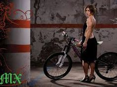 Niki Gudex is one of Australia's most recognisable and highly regarded female mountain bikers. http://selfieonbike.com/niki-gudex-the-dingo-photos/5/