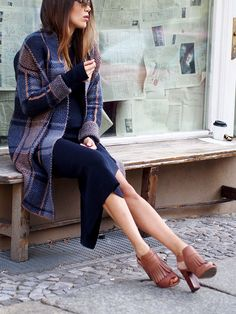 #fall #autumn #layering #oversized #oversize #setfashion #plaid #tartan #coats #mohair #wool #knitdress #streetstyle #berlin #ootd #fashionblogger #helloshopping #effortless #style #sophisticated #whowhatwear #instyle #vogue