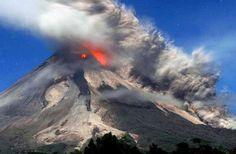 Mount Rainier Composite Volcano | world - 10 Critical Volcanoes around the World