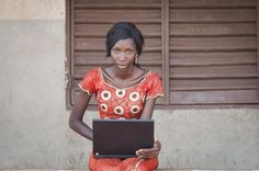 Ghana: Junge Frauen lernen programmieren Kairo, Ghana, Saree, Fashion, Programming, Role Models, African, Young Women, Messages