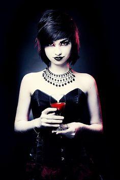Gothic Fashion: Damn, she's a BMAF.