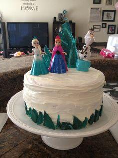Disney frozen party Disney Frozen Cake, Disney Frozen Birthday, Frozen Bday Party, 5th Birthday Party Ideas, 3rd Birthday, Deco Anniv, Fiesta Frozen, Party Gifts, Sugar Crystals