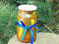 Ogórki z przyprawą do kurczaka na zimę | Pychotkaaa Preserves, Pickles, Salads, Planter Pots, Candle Holders, Curry, Food And Drink, Canning, Drinks