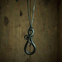 collier bijou pendentif signe infini color/é fait main fer forg/é