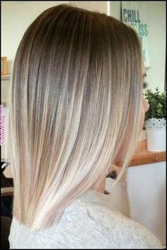50 Blonde Hair Color Ideas For Short Hair - Blonde Inspirations for Blonde Hair Colors For Short Hair Most of the trends in coloring are designed for long hair - ombre and balayage most often show beauties with lush cu. Balayage Straight Hair, Short Straight Hair, Short Hair Cuts, Straight Hairstyles, Short Hair Styles, Short Hair Colors, Short Balayage, Ombre Hair Color, Hair Color Balayage