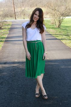 Need to add more pleated skirts to my wardrobe. Love the color! luvlisa