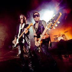 Lenny Kravitz and Joe Perry from Aerosmith, rocking in Vegas last week.