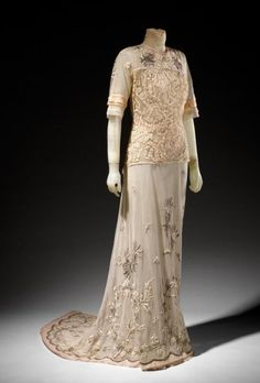 Tea dress, circa 1912, maker's name BECHOFF-DAVID, Paris (couture house). Medium: silk tulle, linen tape lace, and cotton thread.