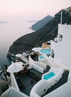 Travel Diary: Summer in Santorini travel destinations 2019 TRAVEL DIARIES: Oia, Santorini It's no secret Santorini has been one of my favourite places to visit and photograph over… Santorini Travel, Santorini Greece, Greece Travel, Santorini Honeymoon, Santorini Sunset, Greece Honeymoon, Santorini Island, Greece Vacation, Places To Travel