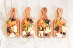 a simple cheese plate // summer entertaining - Wine & Cheese - Cheese Board Plateau Charcuterie, Charcuterie Plate, Charcuterie And Cheese Board, Cheese Boards, Appetizer Plates, Appetizers, Comida Picnic, Wine Tasting Party, Wine Parties