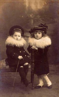 Adorables frère et soeur russes. Date non précisée.
