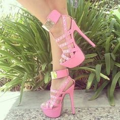 ImageFind images and videos about pink, shoes and heels on We Heart It - the app to get lost in what you love. Rosa High Heels, Pink High Heels, Sexy High Heels, Pink Pumps, Strappy Platform Heels, Pumps Heels, Stiletto Heels, Glitter Heels, High Heels Plateau