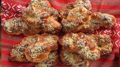 TIMPI DE PREPARARE Timp de preparare: 60 min Timp de gatire: 40 min Gata in: 1 ore, 40 min INGREDIENTE Pentru aluat 500 g făină 250-300 ml apă 25 g drojdie 1/2 linguriţă de sare 3-4 linguri ulei 1 lingurita zahăr Pentru garnitură 1 borcan de 340 g Chicken Wings, Parfait, Nutella, Caramel, French Toast, Deserts, Breakfast, Food, Mai