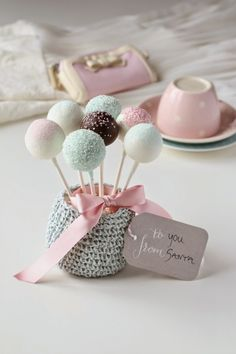 Hello everyone, I hope you are all well. These marsipan pops are the perfect Christmas treat, especially for marzipan lovers. g) white, regular or homemade marzipa. Cake Pops, Cake Cookies, Cupcake Cakes, Festa Party, Love Cake, Pretty Pastel, Something Sweet, Cakes And More, Christmas Treats